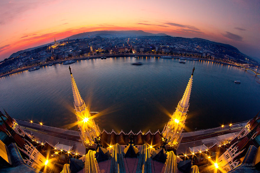 I-Hunt-Lights-For-5-Years-To-Capture-Amazing-Moments-Of-The-City-11__880