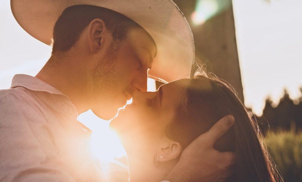 A DateACowboy oldalon kedvére ismerkedhet Idaho cowboy egyedülállókkal akik szintén szerelemre.