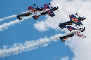 red_bull_air_race_flying_bulls_1-1.jpg