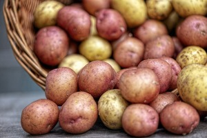 potatoes-4331742_1920.jpg