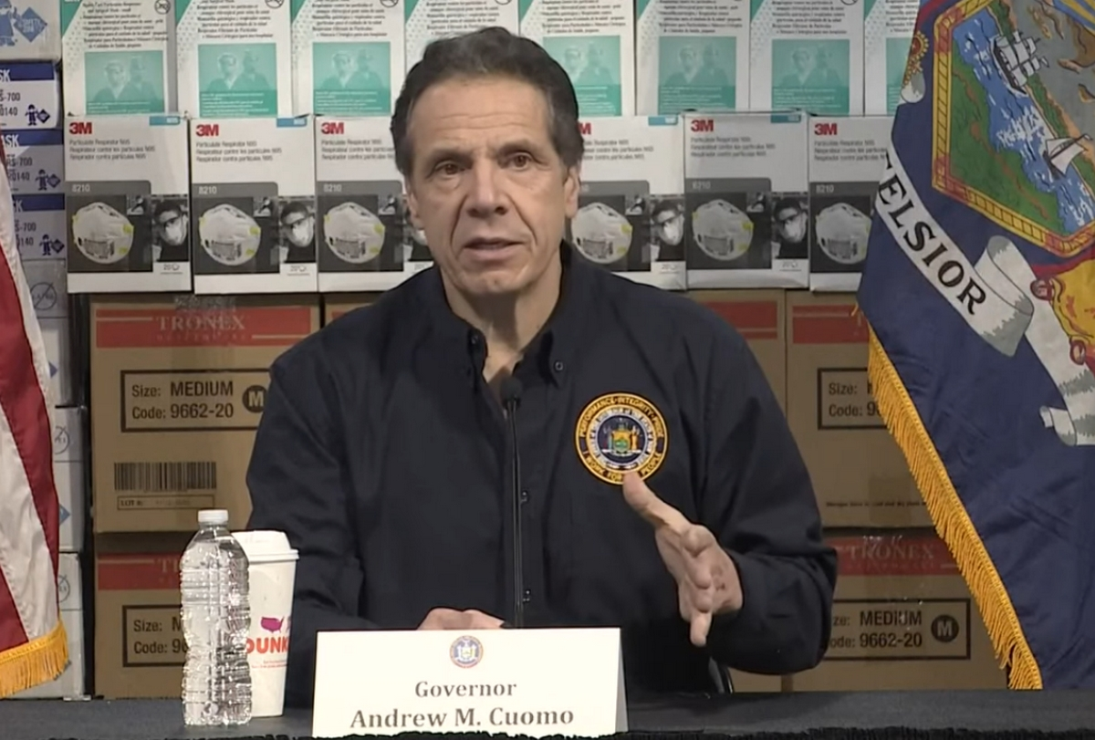 andrews-cuomo-new-york-allam-kormanyzoja.jpg