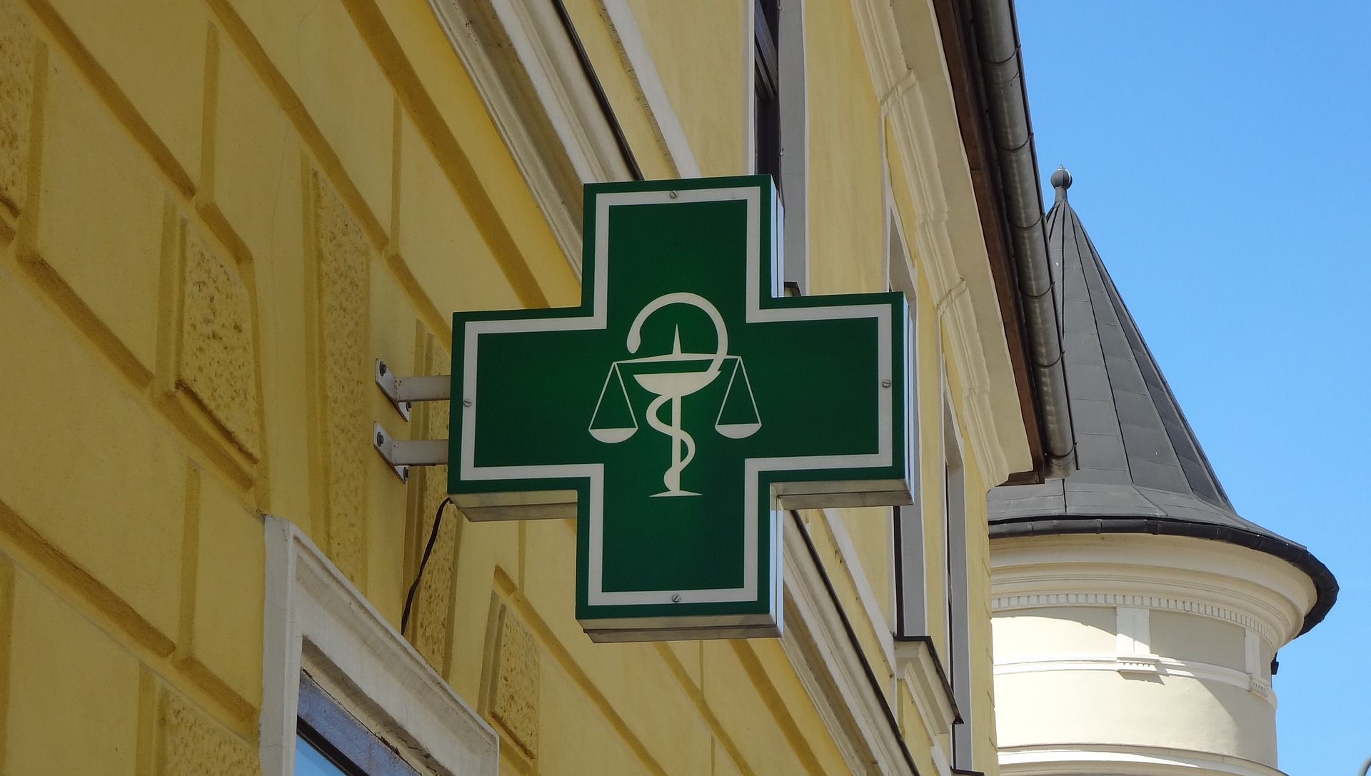 logo-pharmacy-3215049_1920.jpg