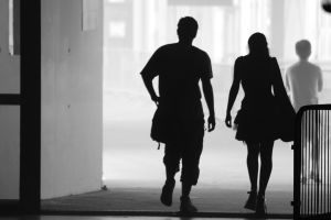 1024px-Man_and_woman_silhouettes.jpg