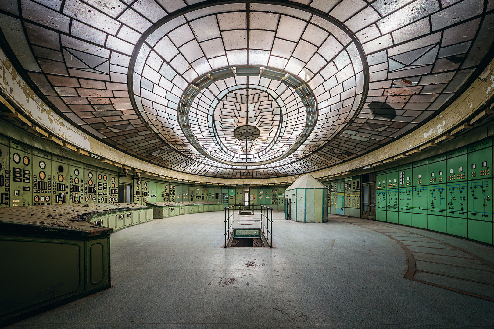 Az elhagyott Kelenföldi Erőmű art deco stílusú irányítóterme már sok filmest csalt a régi ipari műemlékbe