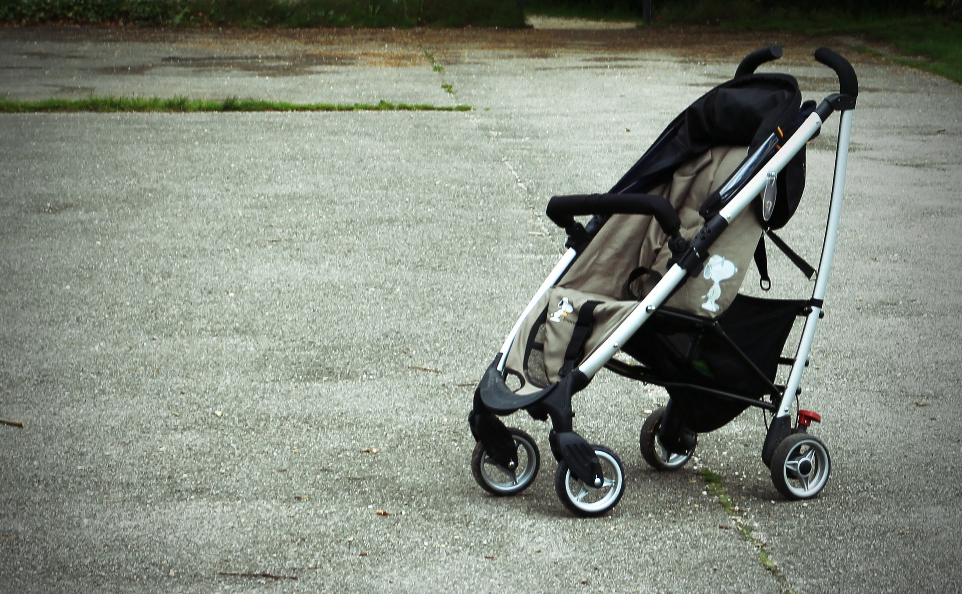 baby-carriage-337698_1920.jpg