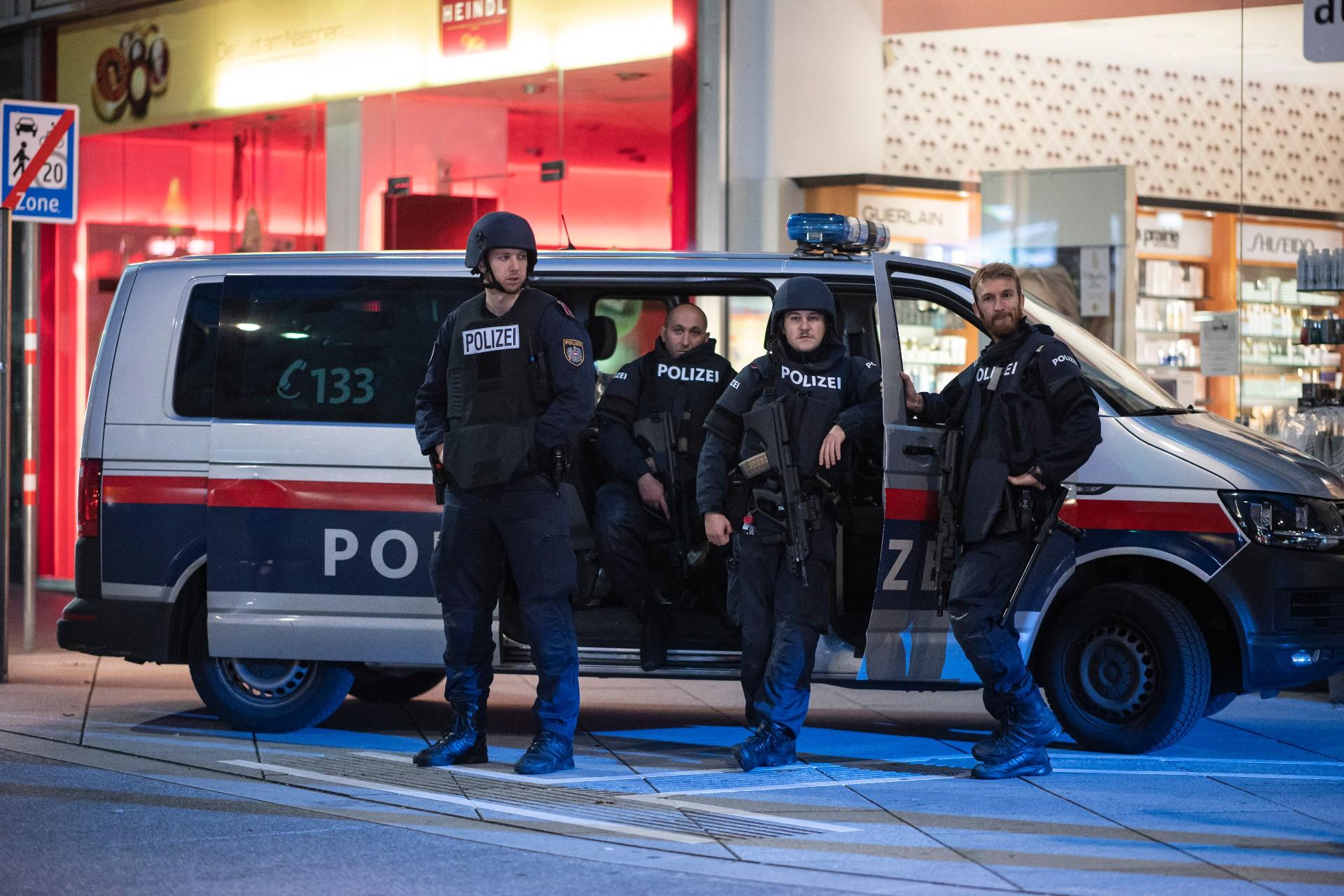 Ausztria összes zsinagógáját bezárták a bécsi terrortámadás miatt