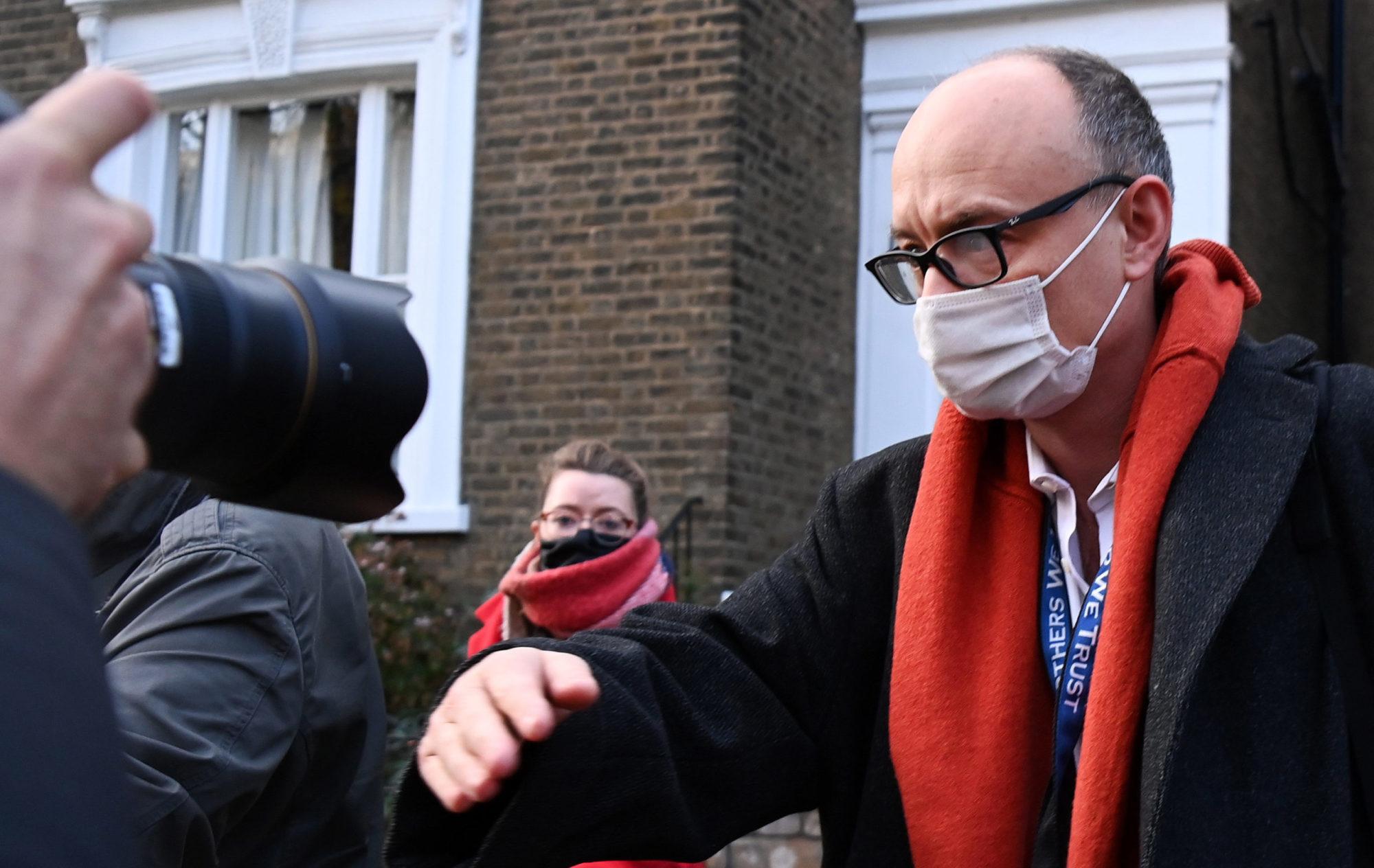 Dráma a Downing streeten: szakított a brit miniszterelnök és legfőbb tanácsadója, a sötét lord