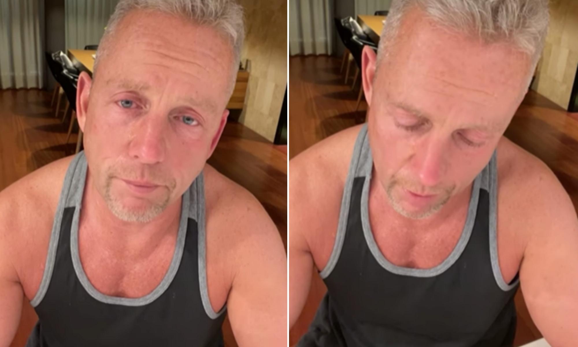 Schobert Norbi a könnyeivel küszködve mondta el, hogy meghalt egy elhízott férfi, akin segíteni akart