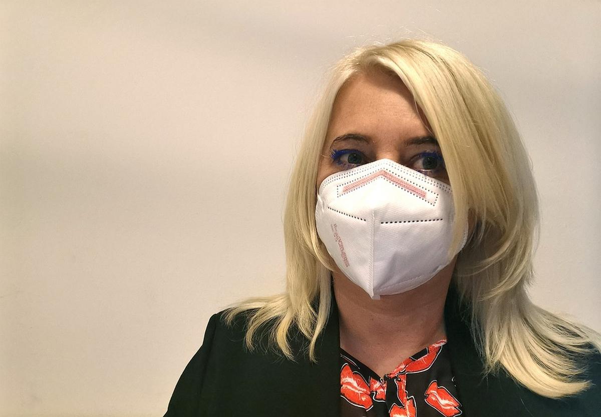 Újabb szigorítás: minden zárt területen kötelező lesz FFP2-es maszkot viselni Szlovákiában