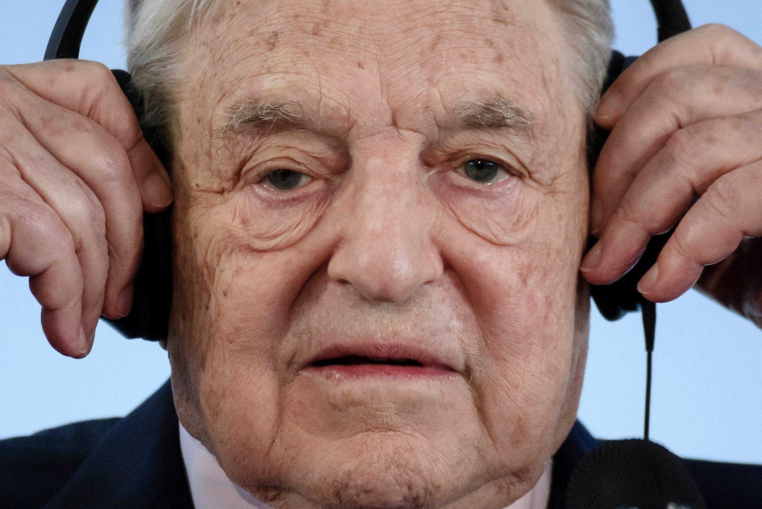 A Magyar Nemzet szerint Soros György áll a Pegasus-botrány hátterében   szmo.hu