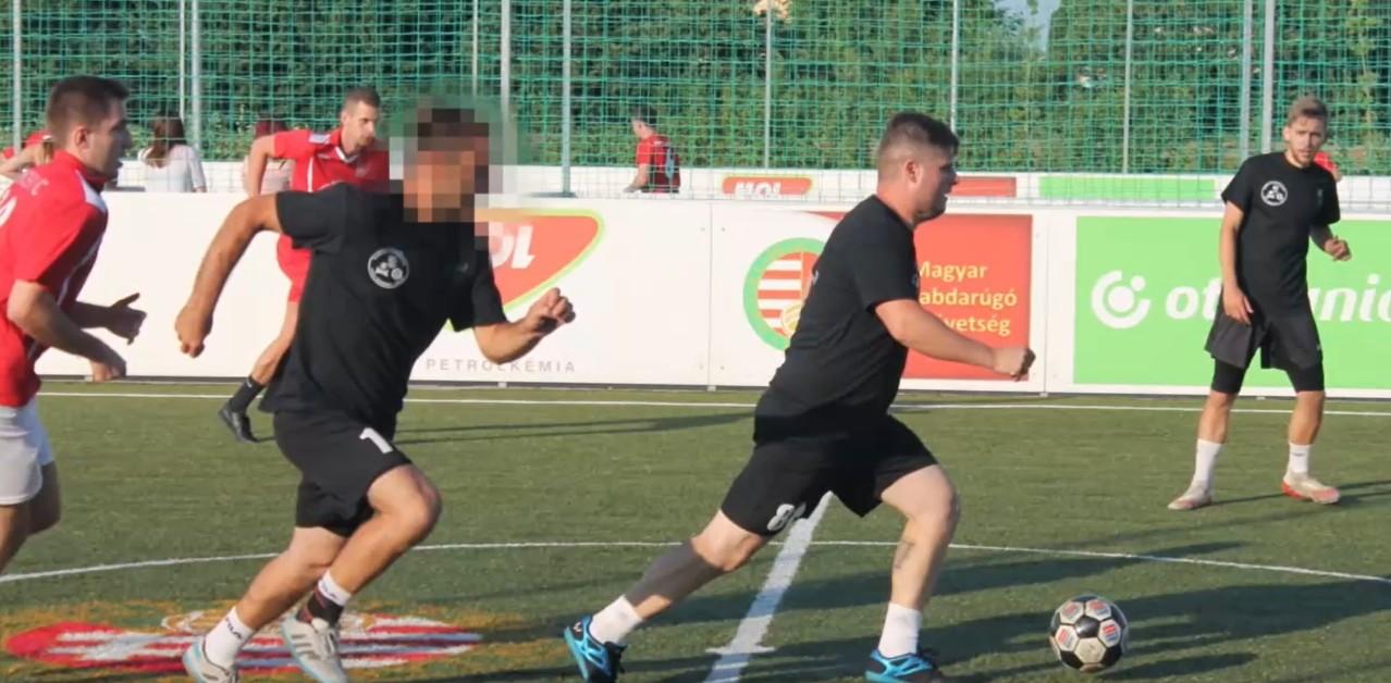 A klubvezető és az ellenfél játékosai mentették meg a focista életét egy amatőr meccsen   szmo.hu