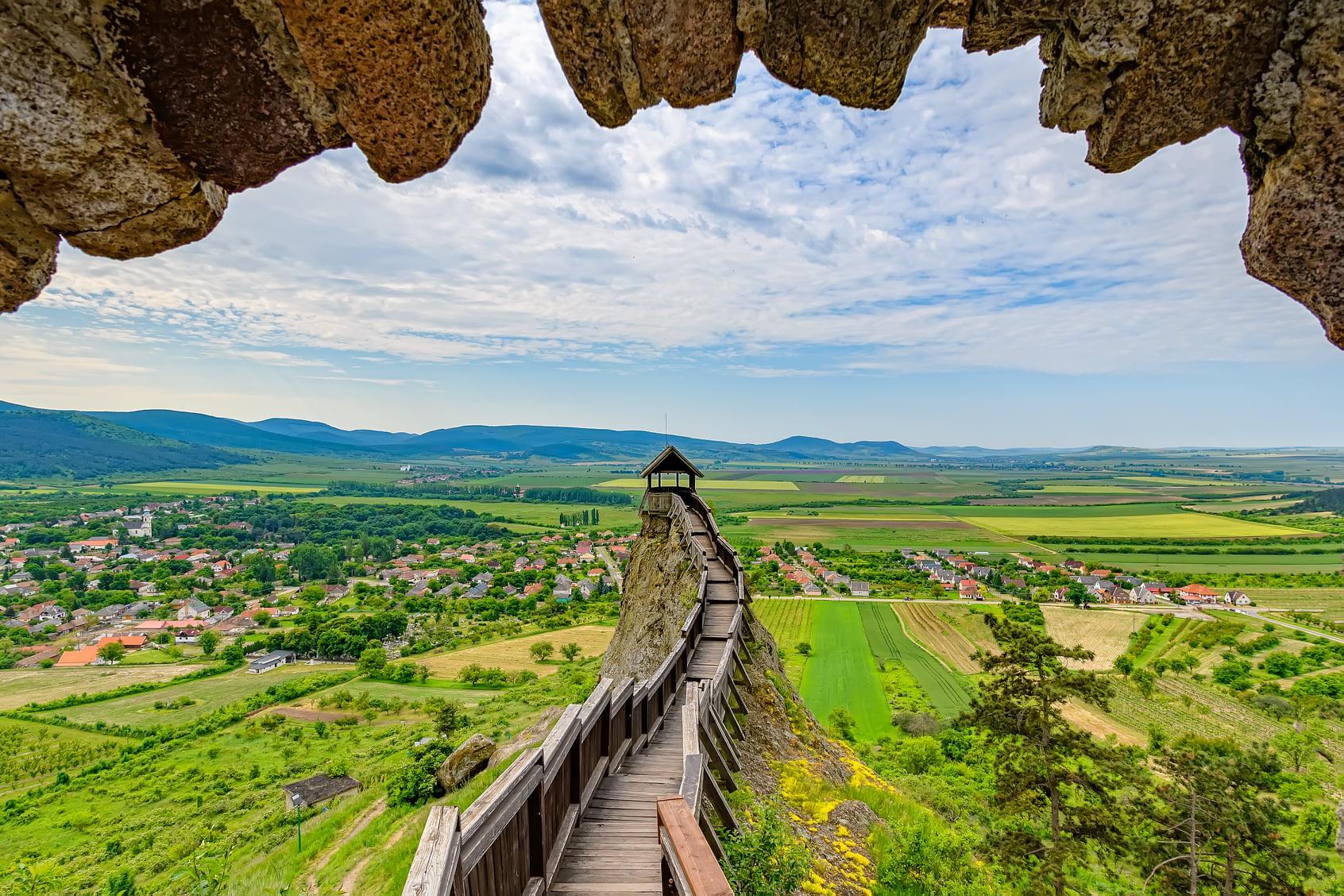 A Boldogkői vár az egyik legjobb állapotban fennmaradt középkori várunk