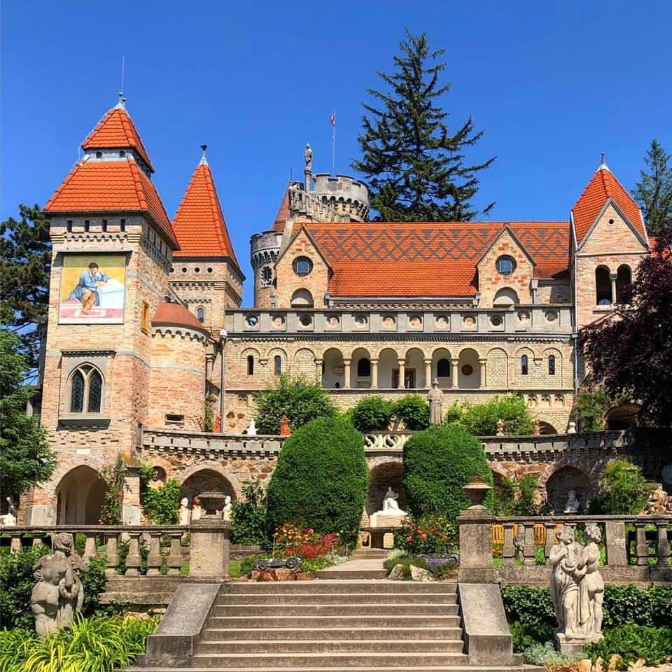 A Bory-vár minden szeglete a szerelemről és a művészetről mesél