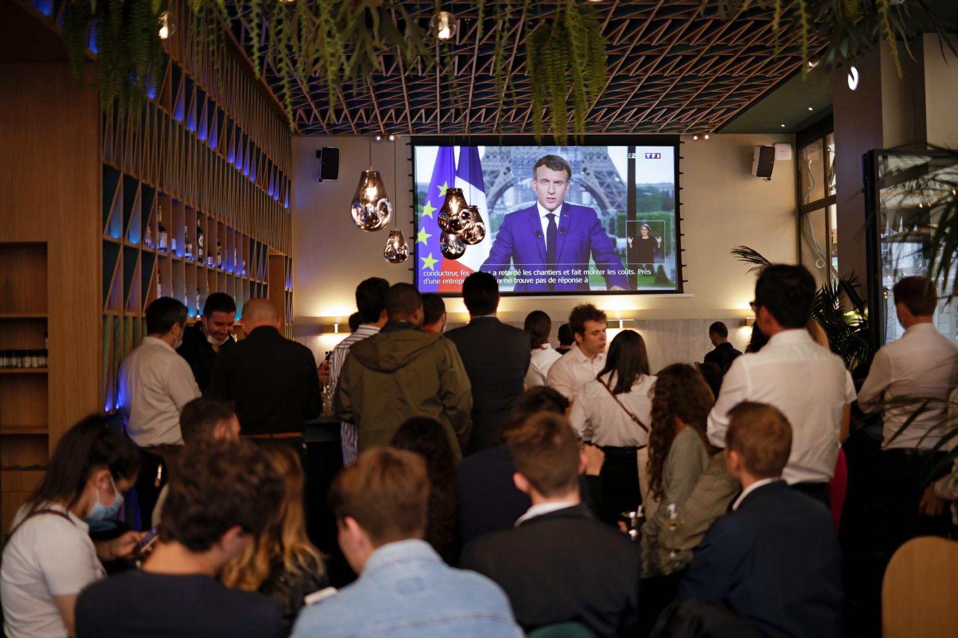 Összeomlott az egészségügyi portál, mert túl sokan akartak oltási időpontot foglalni Macron beszéde után