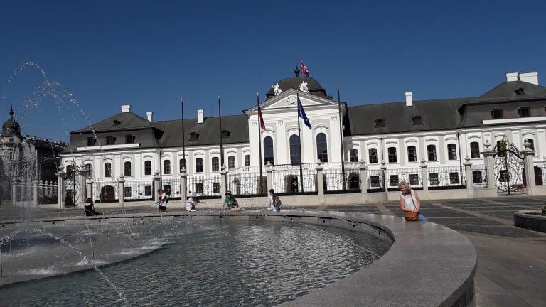 Autómentes óváros, magyar és német emlékek, pápalátogatás – egy hosszú hétvége Pozsonyban
