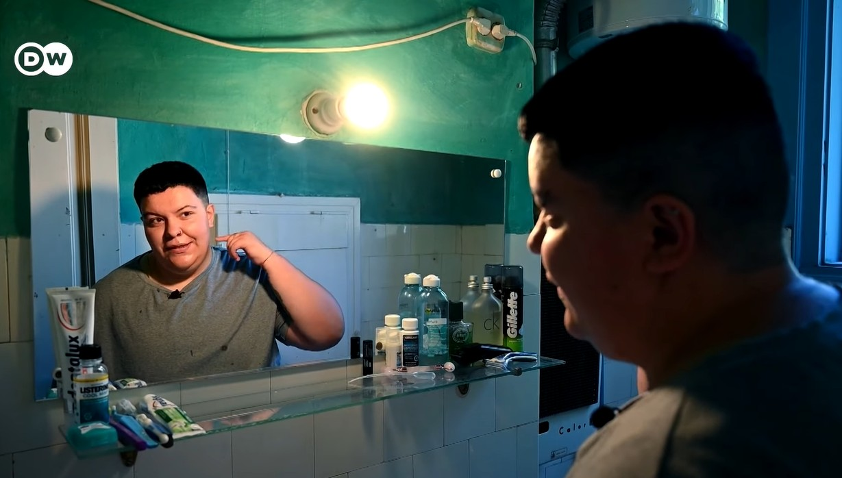"""""""Kiközösítés nélkül szeretnék élni"""" – egy transznemű fiatal mindennapjai Magyarországon"""