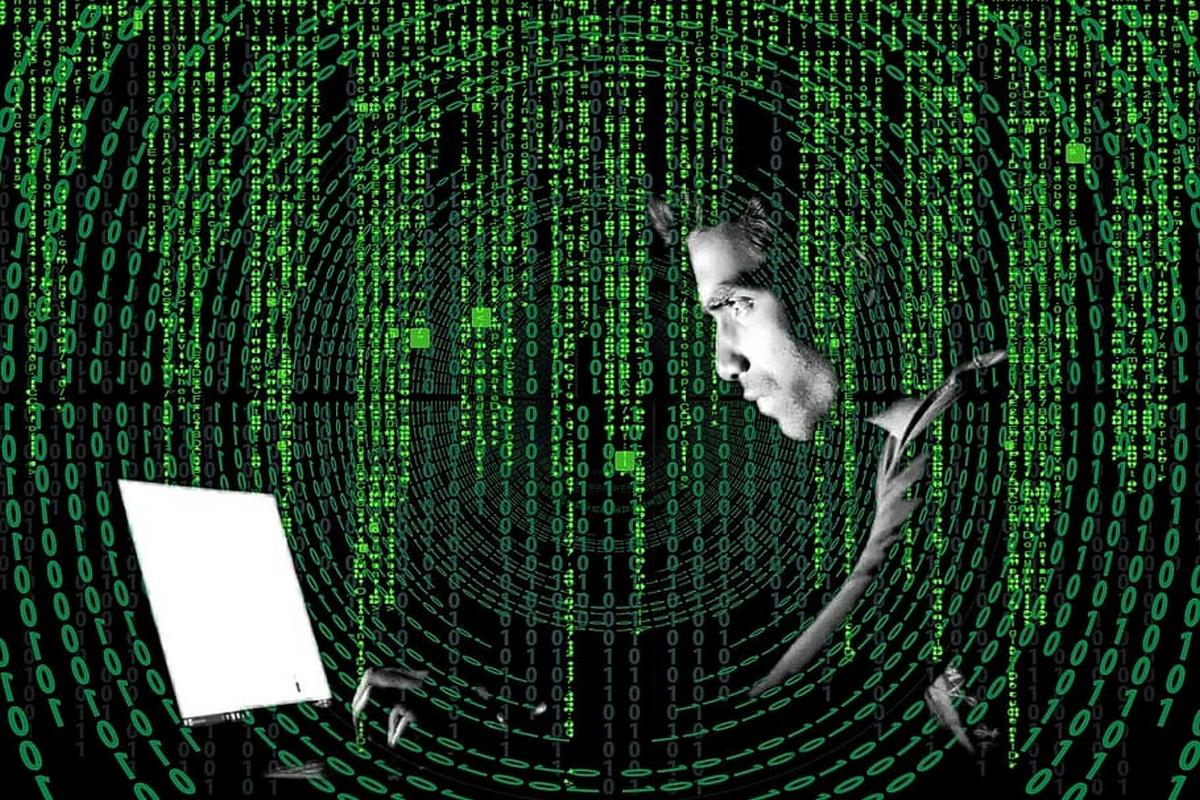 Hvg.hu: NER-közeli embereket is megfigyelhettek a Pegasus kémszoftverrel