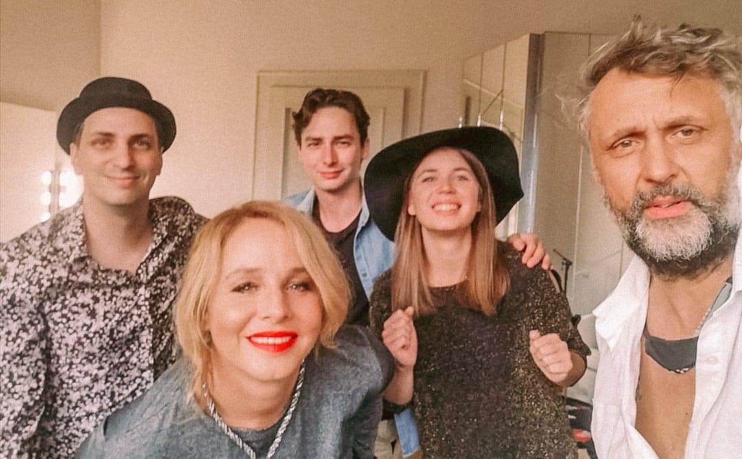 Ónodi Eszter énekesnőként is megmutatja magát: elkészült zenekarának első nagylemeze | szmo.hu