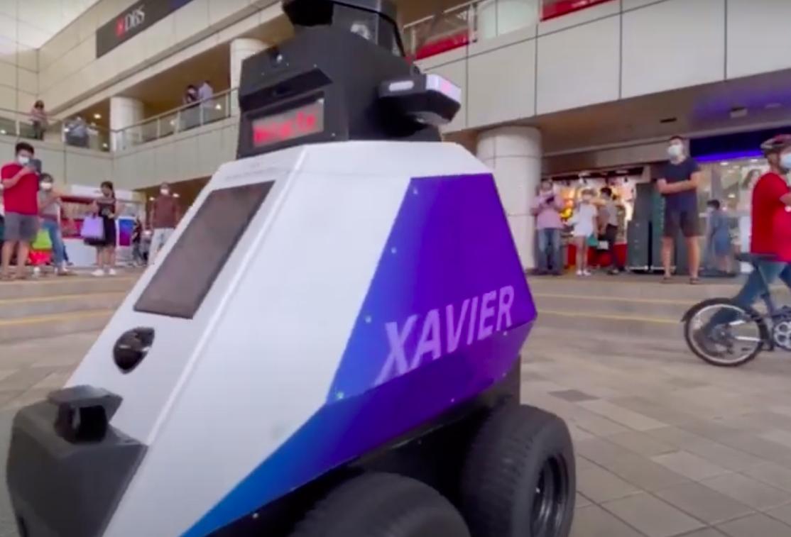 Sötét jövő? – A lakosság viselkedését ellenőrző robotok lephetik el Szingapúr utcáit | szmo.hu
